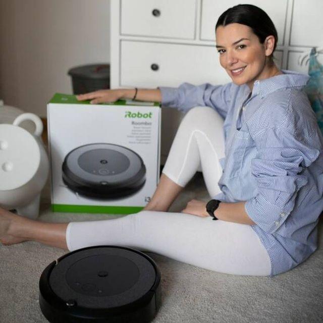 Η @nikolettaralli απαντά σε 10... καθαρές ερωτήσεις, για την νέα Roomba i3+ στο @queengr