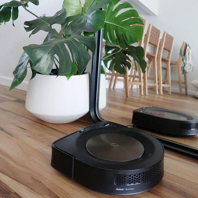 Ακόμα και η Roomba s9 θέλει να κοιτάζει τον εαυτό της στον καθρέφτη…  Ευχαριστούμε τον @hijayden για αυτή την… προσωπική φωτογραφία! #irobot #irobotgreece #irobotgr